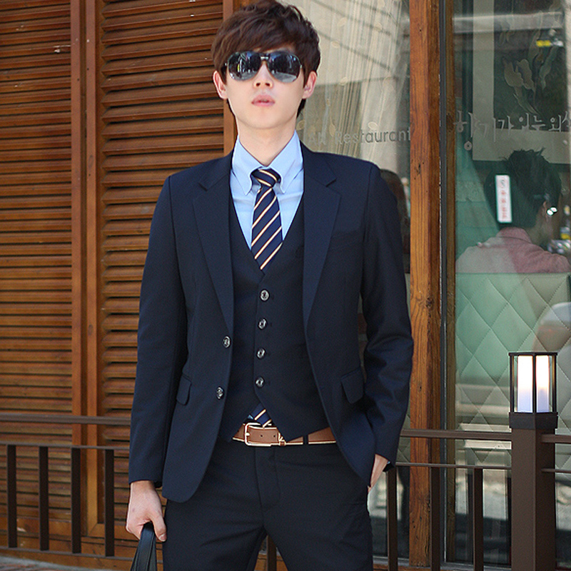 Color: Navy two-button (suit + jacket + trousers)