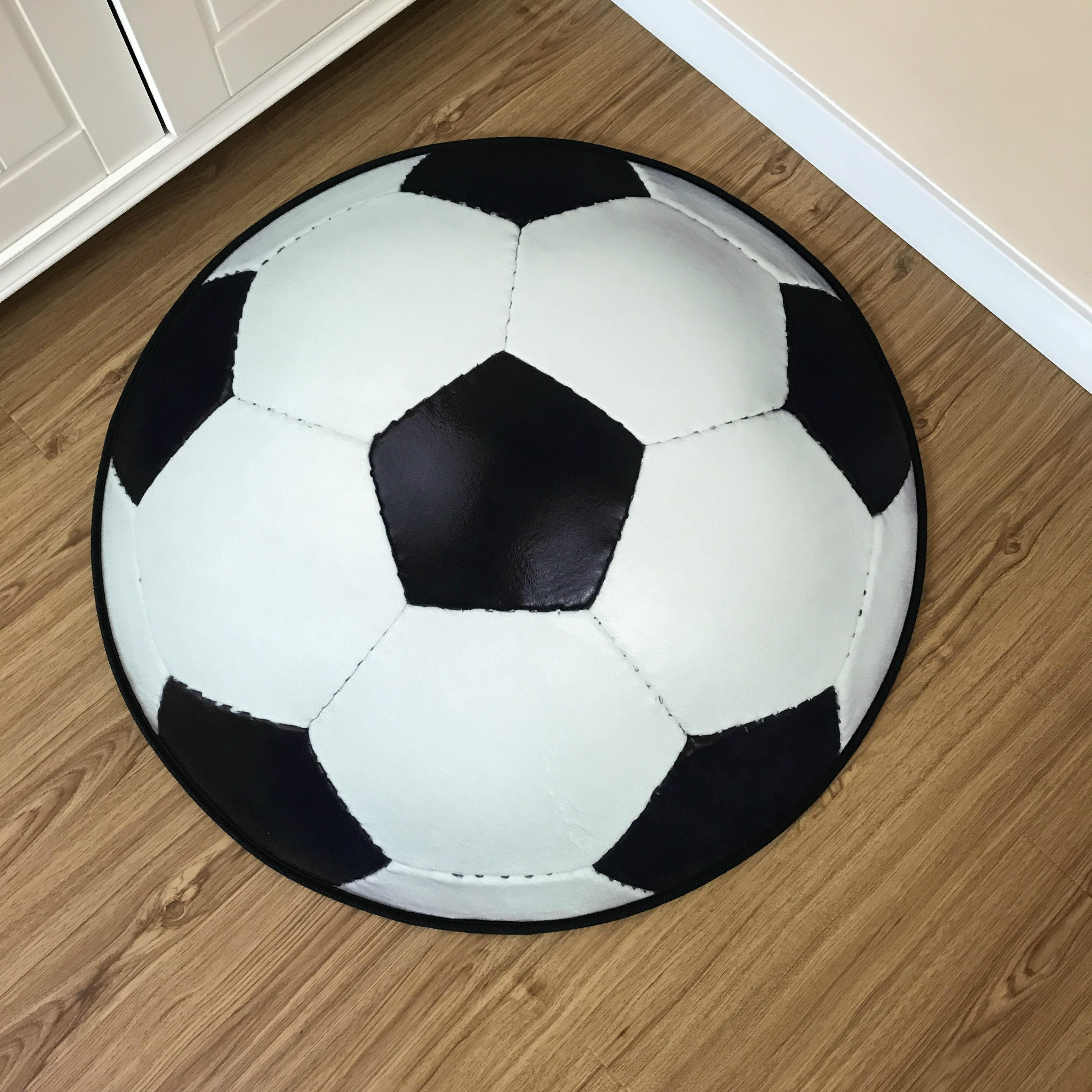 Цвет: Сливочно белые футбол