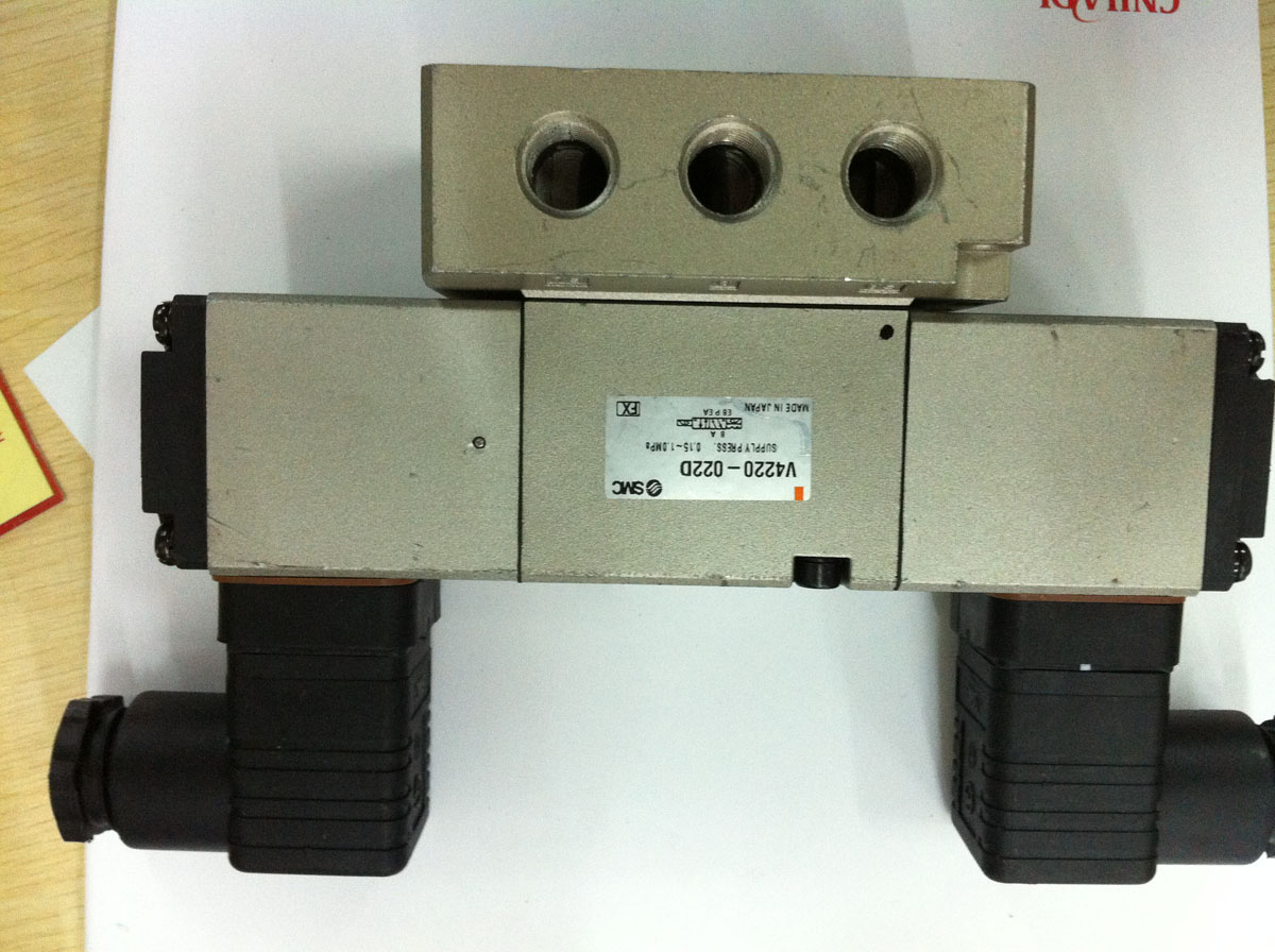SMCV4220-022DAC200V sealed electronic controlled reversing valve without package