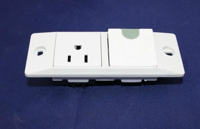 белый американский испытания старения 10A250V ANSI розетки с двух линий три выключатель розетка
