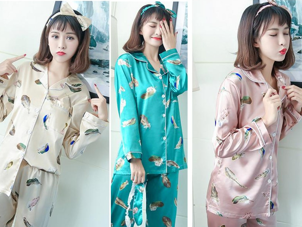2017 Korean silk models in spring and autumn, lovely girl a pineapple four piece maple leaf silk female long sleeved suit