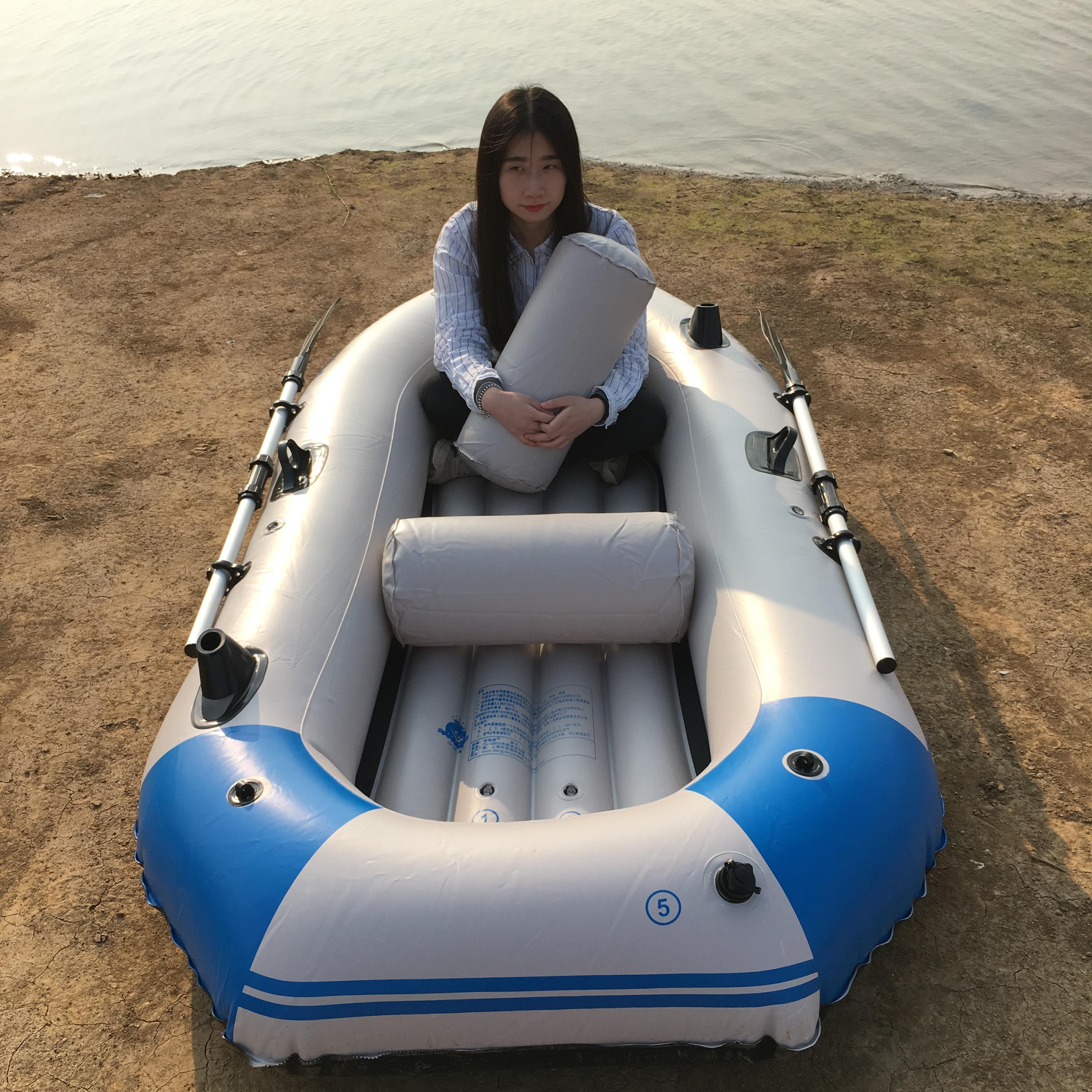 ему нужна большая лодка