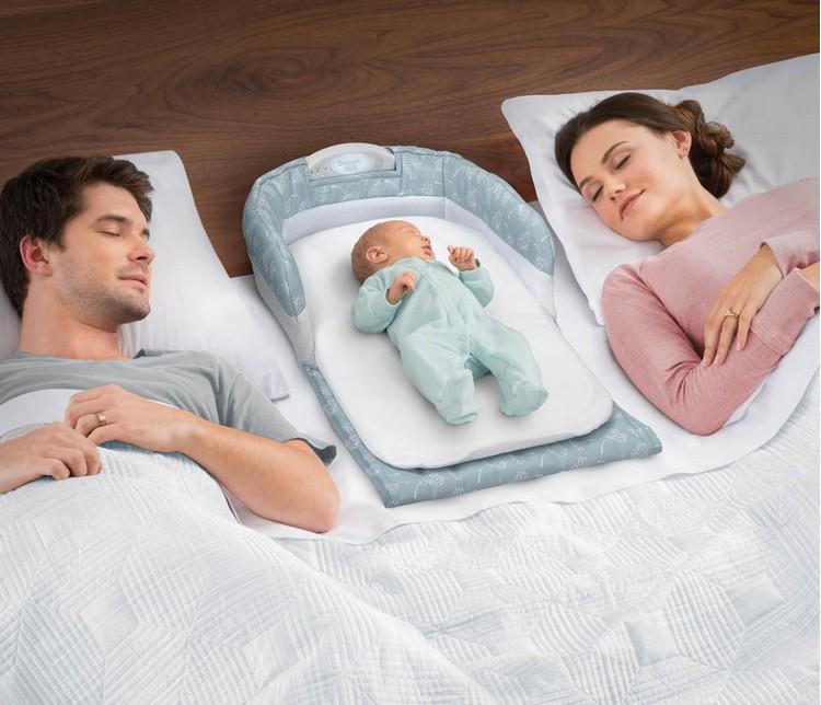 赤ちゃんの小さなベッド携帯ベッドをベッドの折りたたみベッド赤ちゃんのおむつ台のベッド中床ベッドで寝る