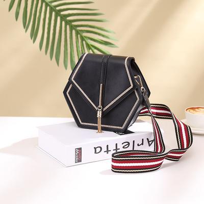 夏季新款质感高级小包包复古五金流苏装饰简约