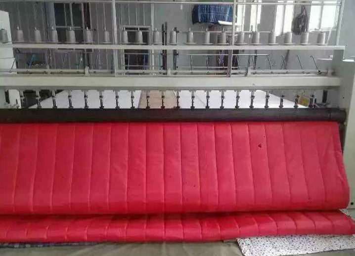 In autumn and winter, soundproof thickening, windproof, cold proof, thermal insulation, waterproof, household commercial fabric, air conditioning, warm cotton door curtain