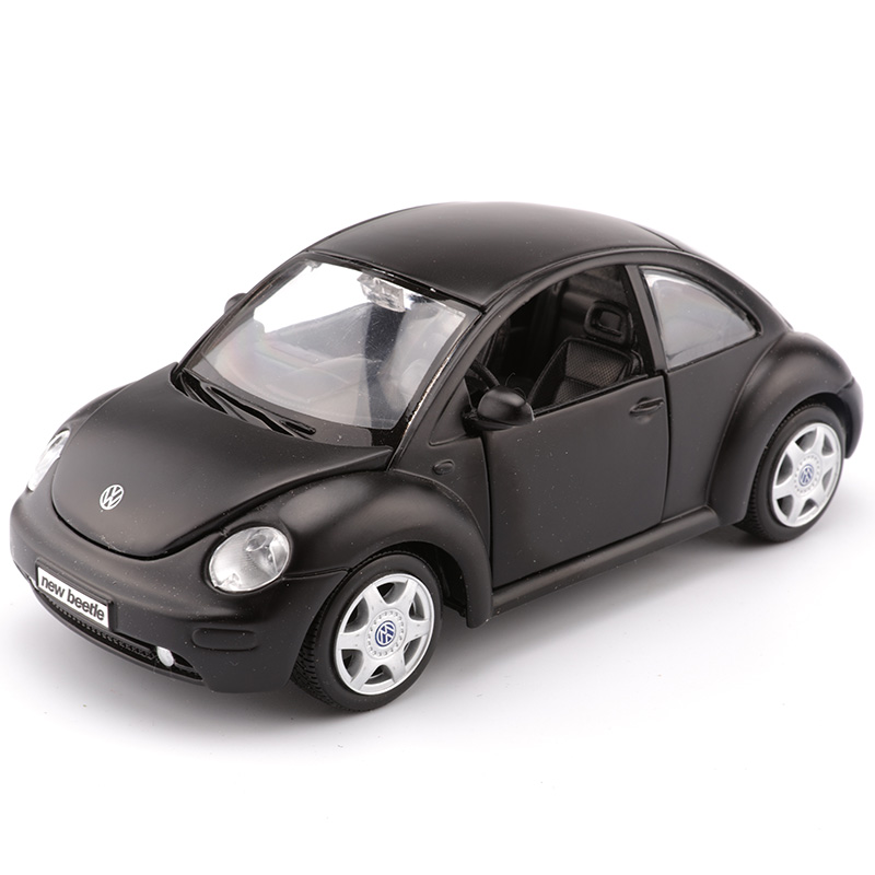 Maisto 1:25 Volkswagen New Beetle alloy car models simulation of static models of toys and Gifts Articles