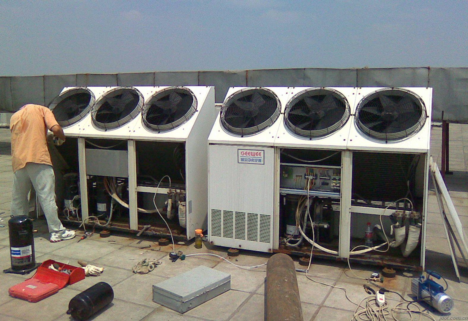 成都週辺のセントラルエアコンエアコン修理に加え、フッ素臭化リチウム専門移机洗浄インストール