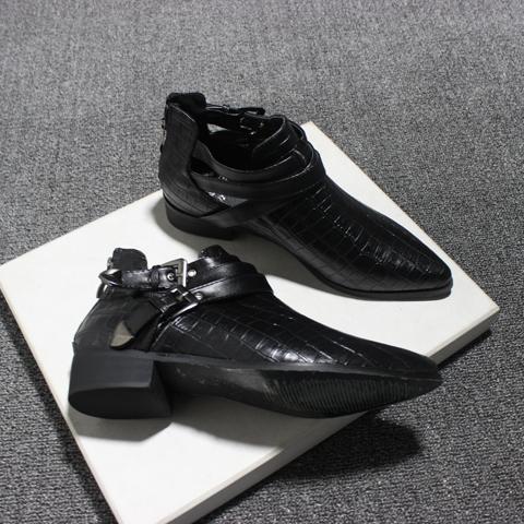 2017秋款促銷平底帶扣女鞋單時尚英倫復古尖頭歐美後拉鏈鏤空
