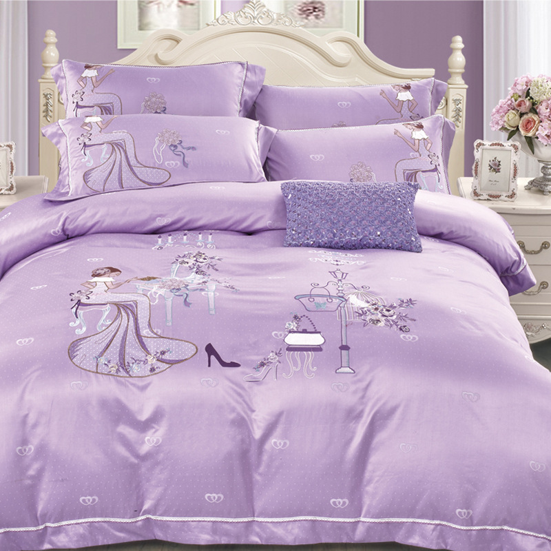 The new spring and Summer Cotton Satin Embroidered four piece active Tencel textile bedding