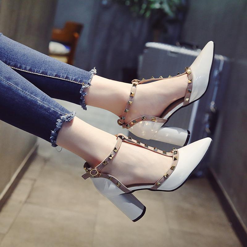涼鞋女夏2017新款韓版尖頭鉚釘高跟鞋淺口百搭包頭粗跟女士鞋子潮