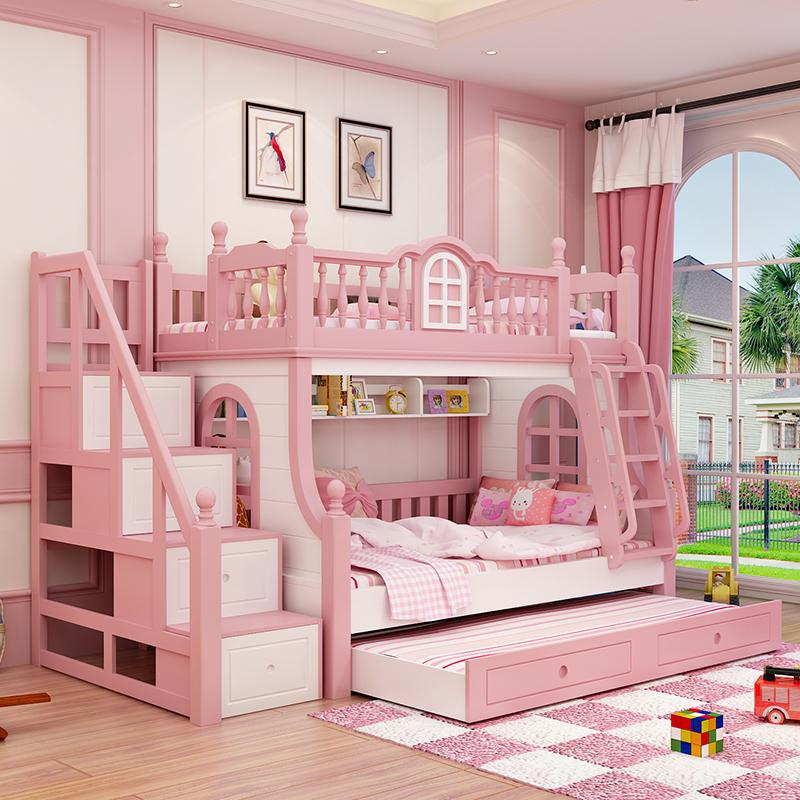 Amerikanische Kinder aus dem Bett doppel - Bett Bett der Mutter im Bett prinzessin rosa Bett Holz und Mädchen im Bett die Fenster.