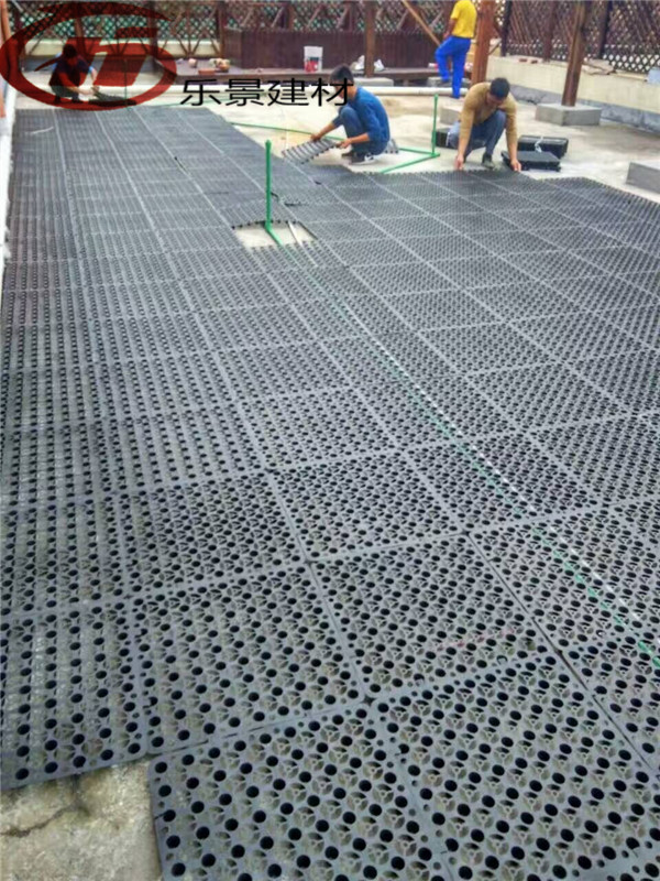 The roof garden planting drainage net pad insulation water storage and drainage in balcony vegetables