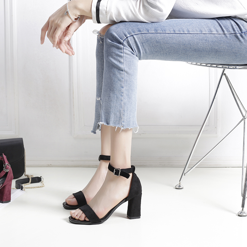凉鞋女夏中跟高跟鞋2017新款夏季百搭一字扣带粗跟露趾罗马凉鞋女