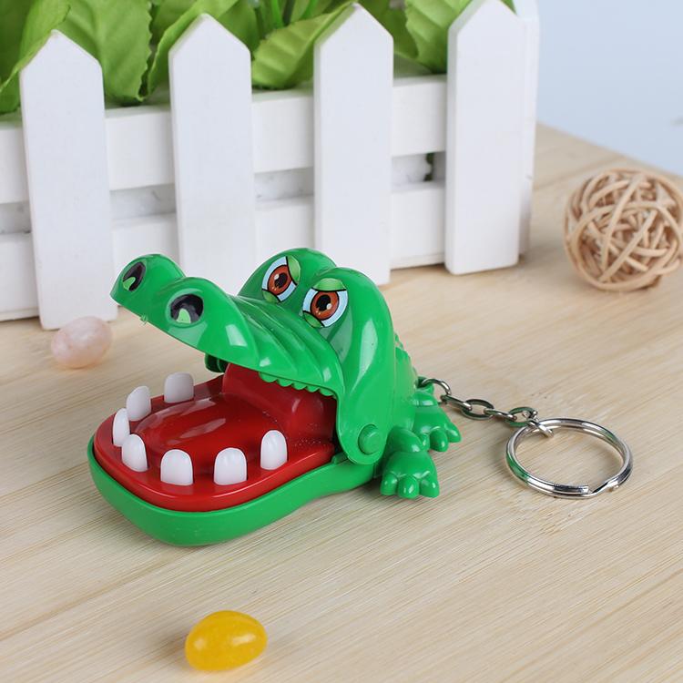 趣乐智 鳄鱼牙齿整蛊玩具