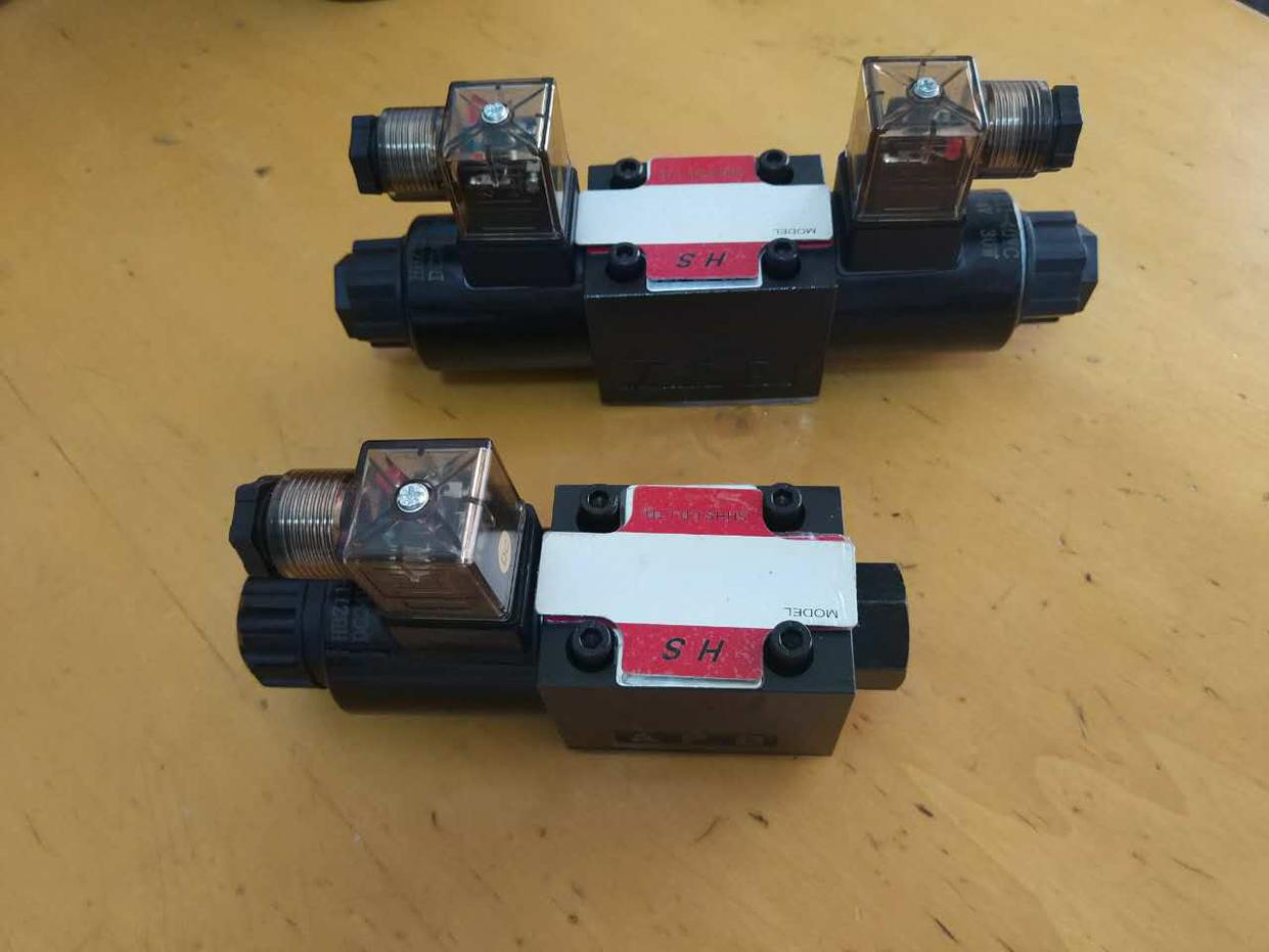 Η ηλεκτρομαγνητική βαλβίδα DSW-02-3C3-D-A220DSW-02-3C3-D-DC24