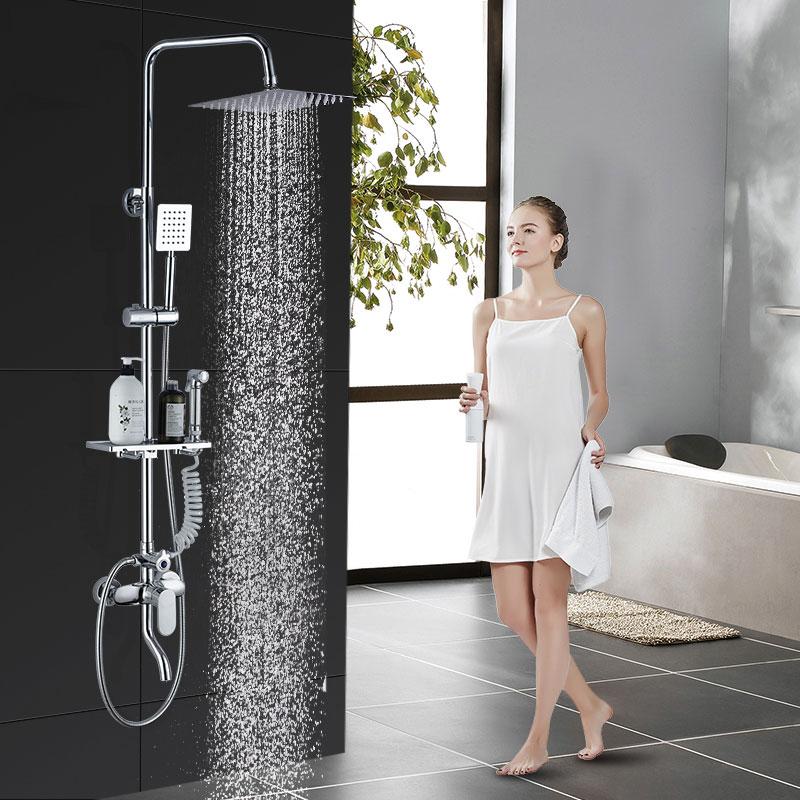 Ducha con agua fría y caliente la mezcla de cobre todo el traje de baño de ducha en el levantamiento de un muro de la lluvia