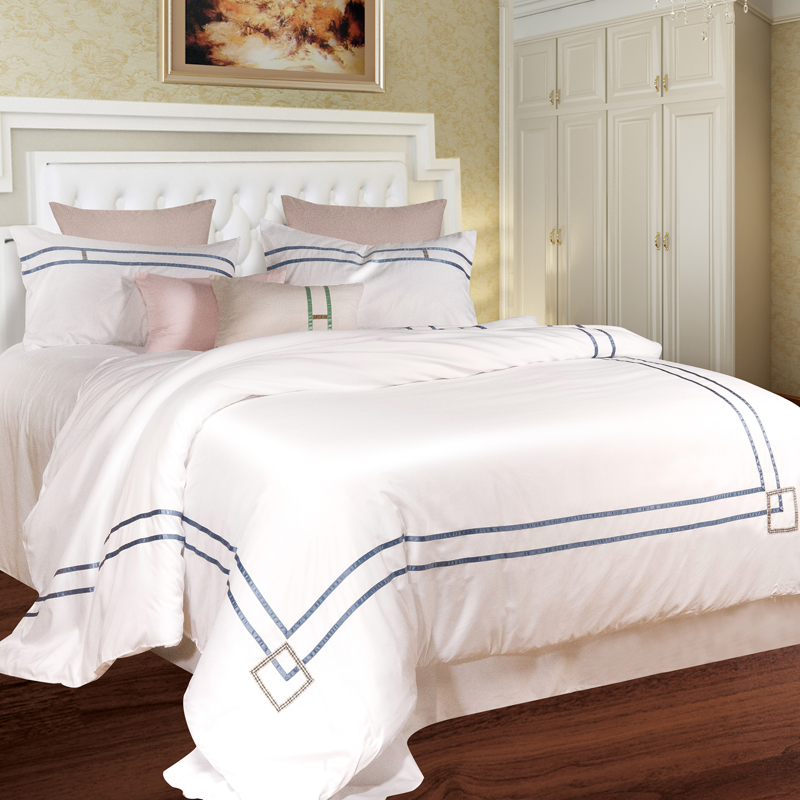 The spring and summer of four sets of pure silk satin silk silk bedding Tencel bedding naked 1.8m