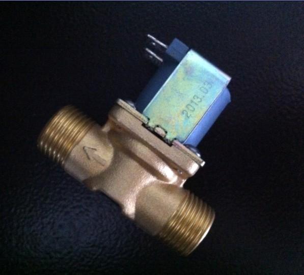 Cierra la válvula solenoide válvula de agua de un calentador de agua DC12V4 cobre la ducha de válvula 9V24V220V N.o
