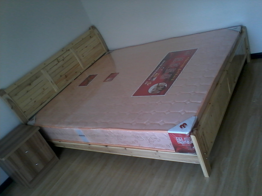 Kunming furniture specials, modern simple furniture, solid wood bed, 1.01.21.51.8 double person