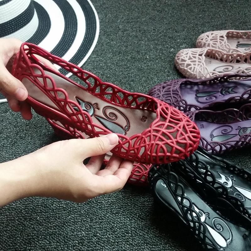2017正品巴西玫瑰花沙滩雨鞋塑料镂空透明水晶鞋果冻鞋鸟巢女凉鞋
