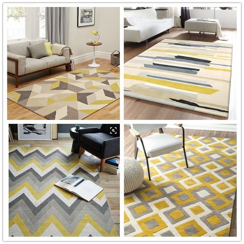 北欧イケアのスタイルの幾何学の図案のカーペットの客間の洋式の現代的なソファーは寝室のベッドルーム