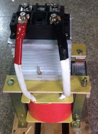 - BKZ-6.5KVA/KW380V двигател за преобразуване на променлив ток за поправяне на DC127V мед трансформатор