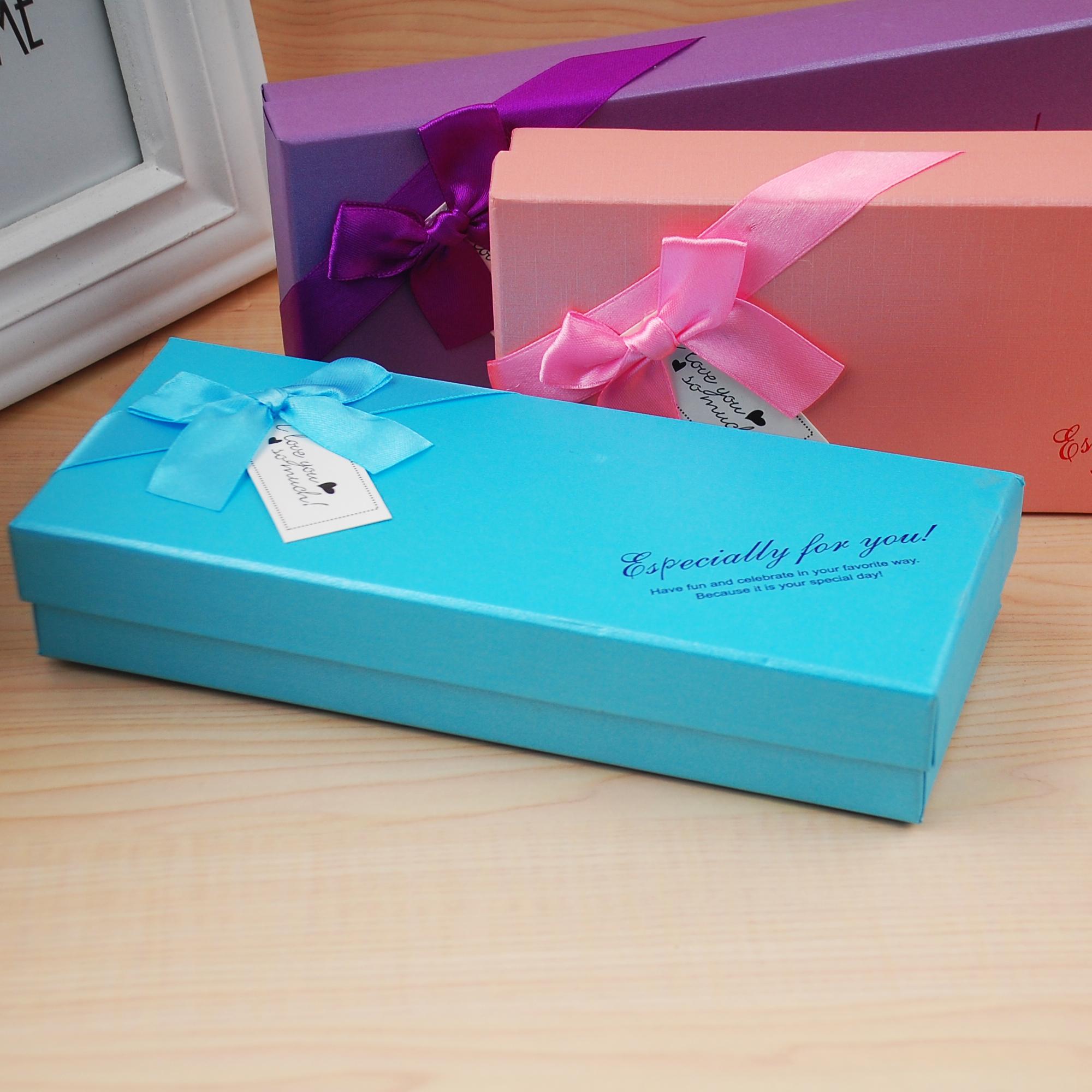 Een dure doos chocolade verpakking van 10 Valentijnsdag verpakking in kartonnen doos