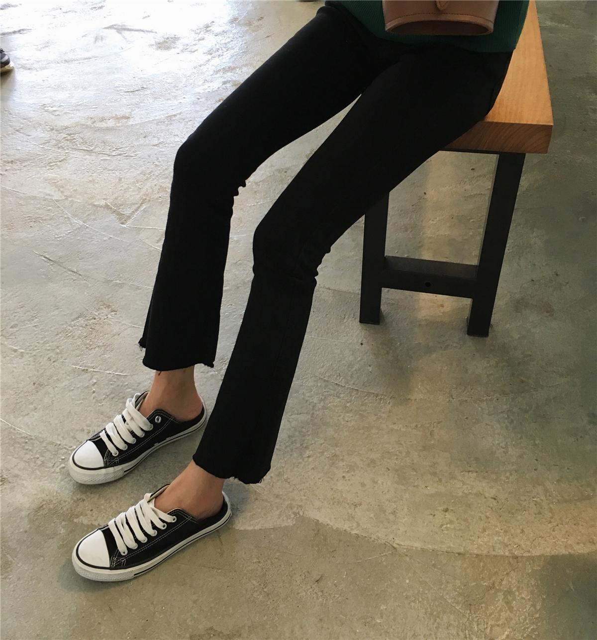 DUTE 秋季韩版女装新款chci微喇叭修身黑色打底气质深色牛仔裤女