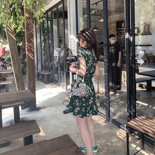 張醉墨miora女小花裙子v领桔梗复古连衣裙碎花法式夏收腰短款绿色