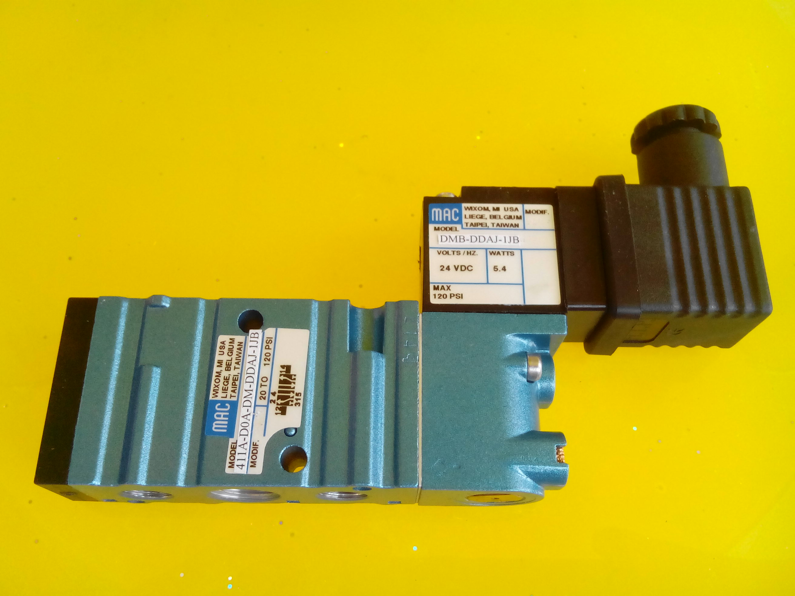 De Verenigde Staten MAC elektromagnetische klep 411A-DOA-DM-DDAJ-1JB echte originele bestand zijn.