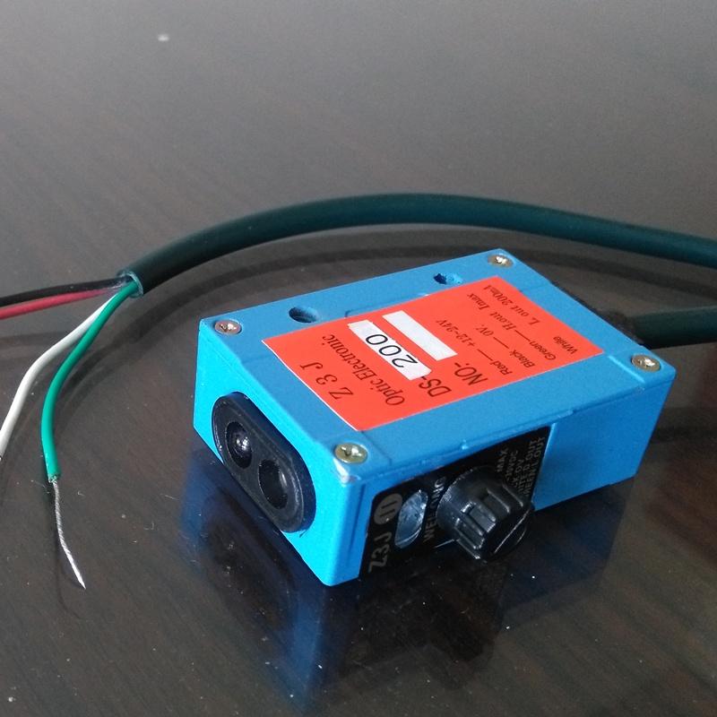 انعكاس منتشر 12-24v جسم السيارة الاستشعار زاوية صغيرة 0.2-2M القرب التبديل الكهروضوئية