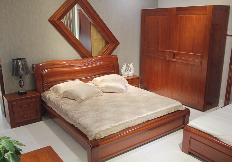 The new solid wood bed Zhuwo thick bed section of Begonia bed high-grade walnut PK double bedroom