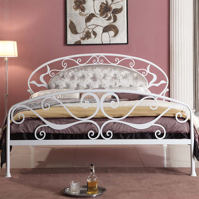 Tieyi bed Korean garden princess bed apartment bed white iron bed 1.5 meters 1.8 meters on the soft bed