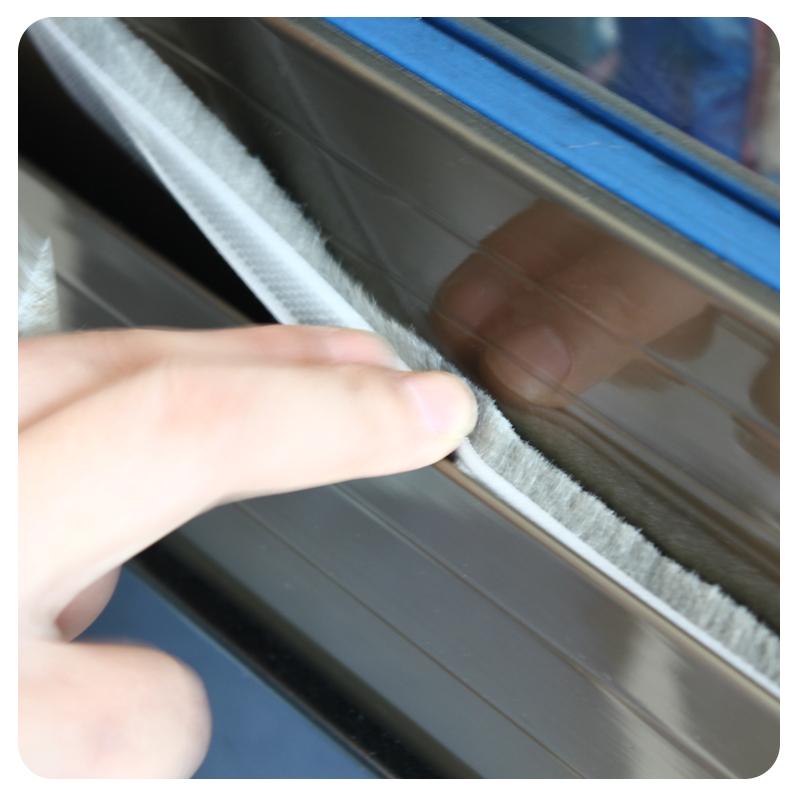 La puerta de la parte inferior de la puerta ni ventana interior del cierre de puertas y ventanas con aislamiento acústico de gel de sílice aislantes térmicos, rompevientos impermeable