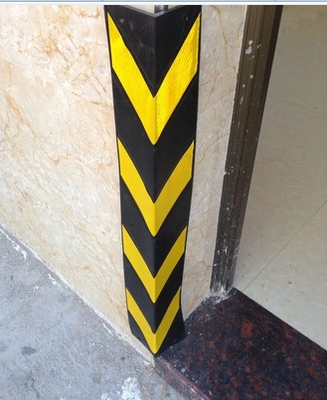 Applicable to the parking lot wall column 80 rubber corner corner reflectors crash black and yellow traffic facilities