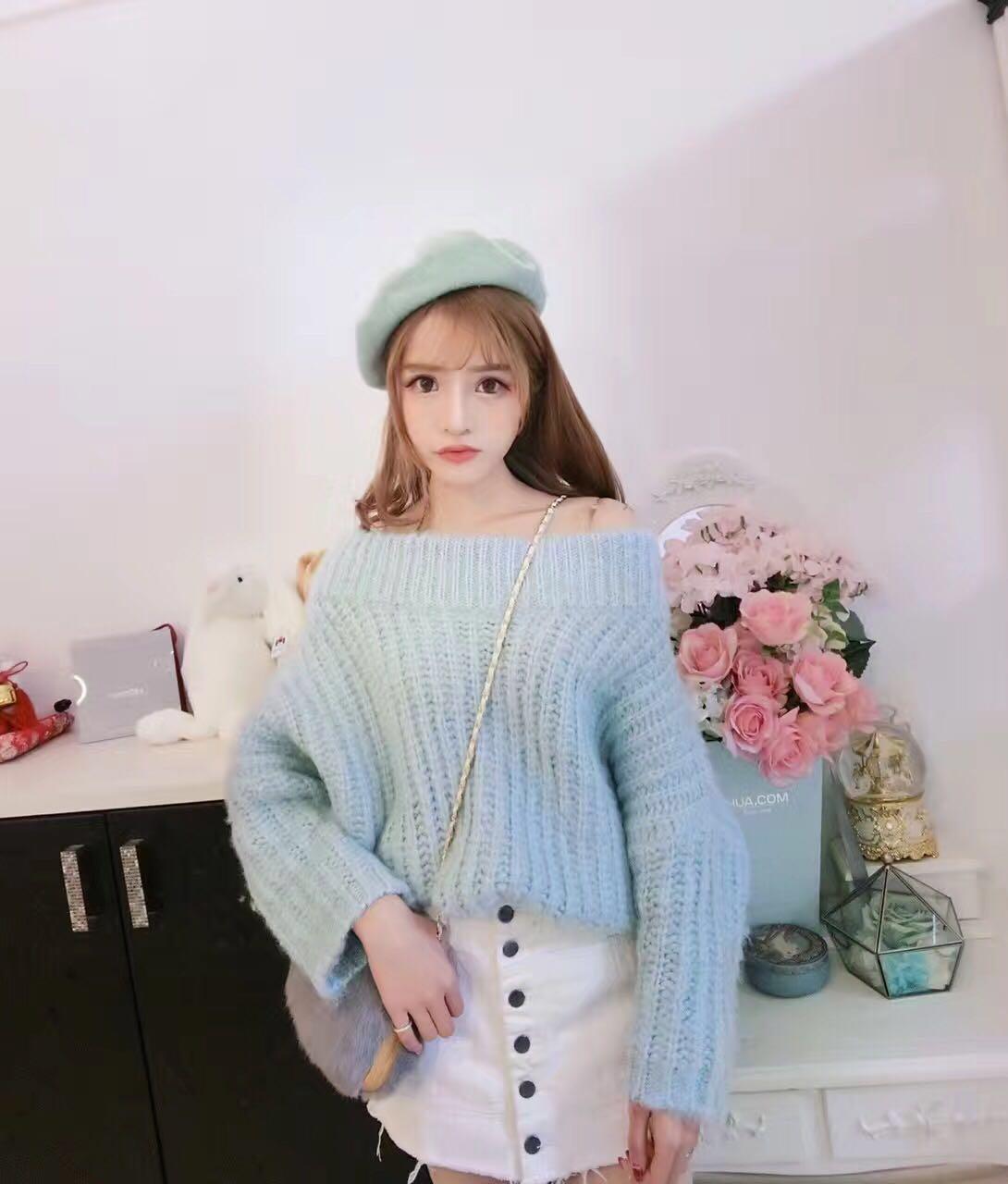 韩国东大门气质海马加厚一字领露肩套头宽松水蓝色毛衣8029
