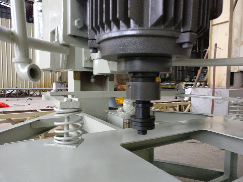 เครื่องตัดหินที่ผิดปกติ FLYX-1500 การประมวลผลเดสก์ทอปที่แผงตู้อ่างล้างหน้ารูที่มุมเครื่องบด