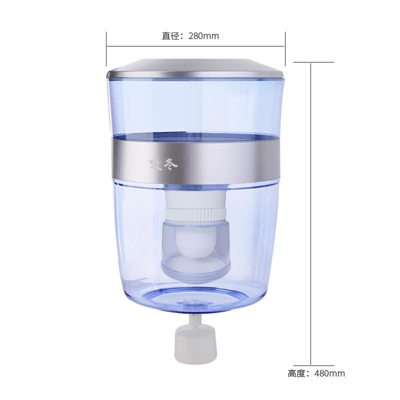 filtrowanie wiadro wody. prosto do czyszczenia wodą z kranu do oczyszczania wody dla filtr do oczyszczania wody
