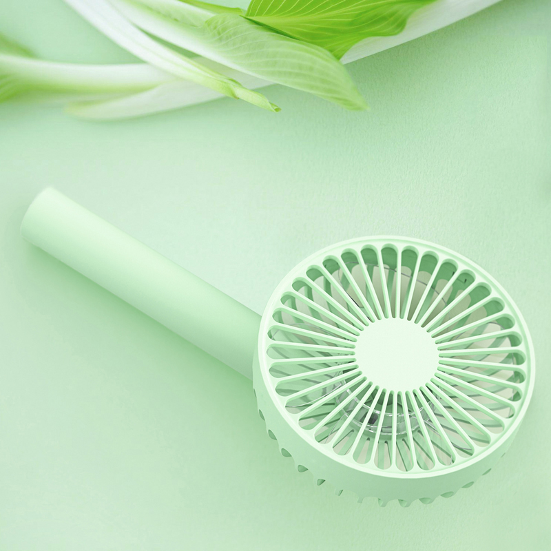 Portable mini fan, USB rechargeable 2000 MAH lithium battery, mute three, wind power strong