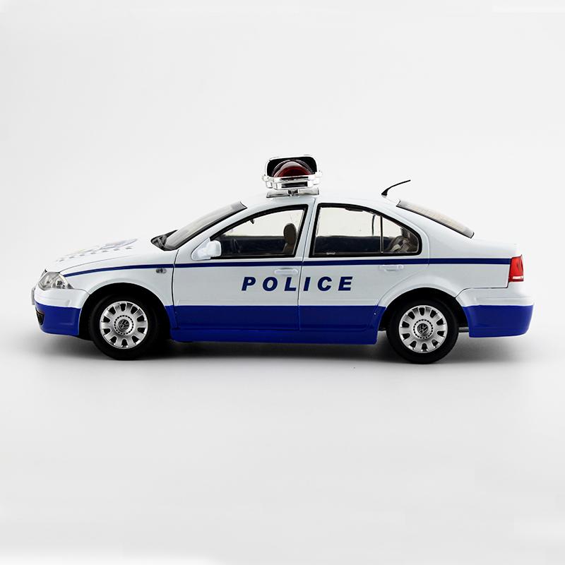 Original product 118 FAW Volkswagen Bora BORA police car static simulation alloy car model finished product