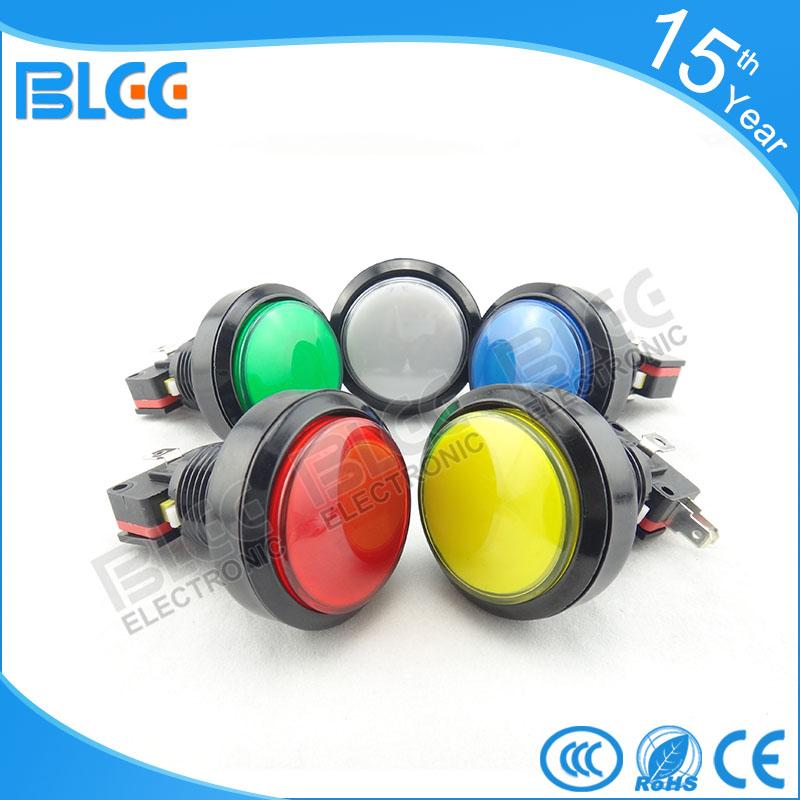 In de circulaire een knop met licht water automaat 46MM grote zwarte rand rond de knop sleutels in de machine.