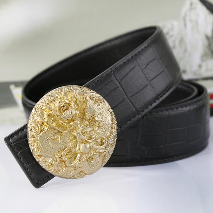 覇気の潮流は金色の男性のベルトとして、金色の男性として、休閑ベルトとして、男性のヘアスタイルの男性のヘアスタイルの結婚をして