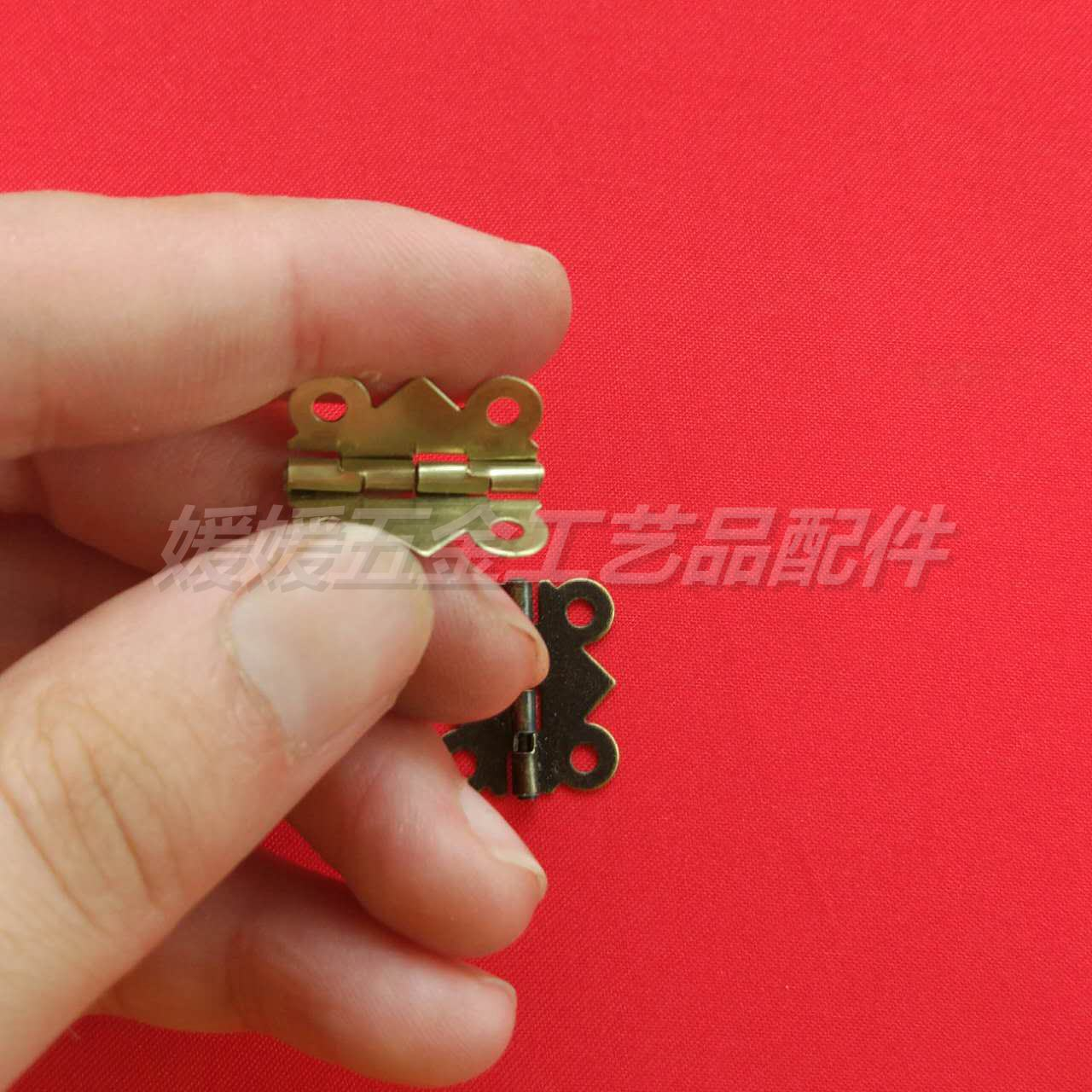 Nuevos accesorios de la Caja de regalo de modelo de proceso de encaje mariposa bisagras bisagras accesorios Caja Mini