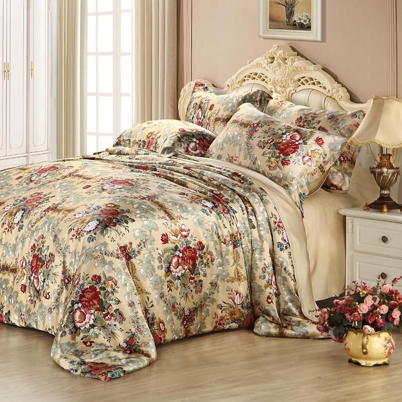 In the summer of four piece silk quilt piece double silk mulberry silk quilt Tencel special special offer