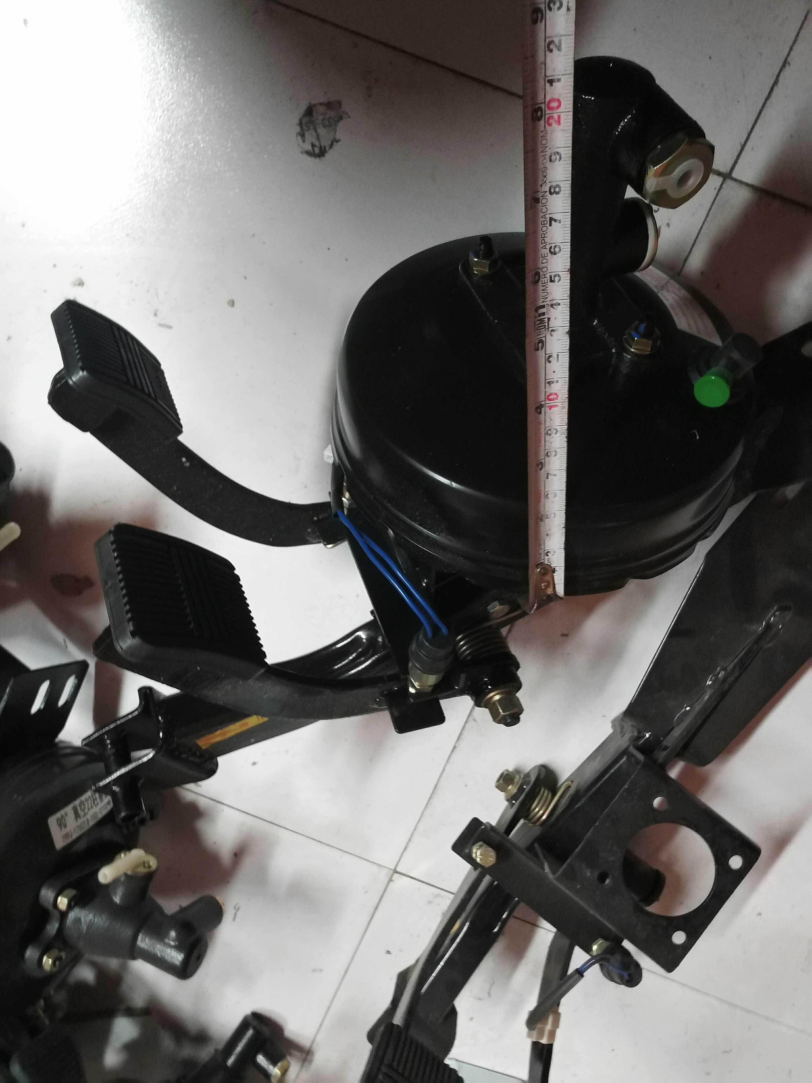 om en fullständig uppsättning under vakuum booster pack vakuumrör vakuumpump vakuumbehållare tankfartyg