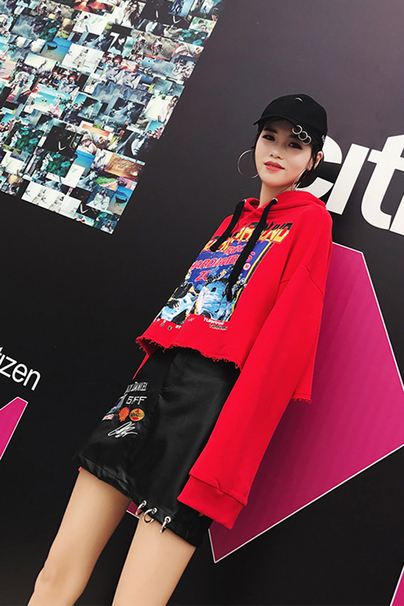 In the autumn of 2017 new Korean chic leather skirt sweater fashionable Harajuku two piece autumn student fashion female package