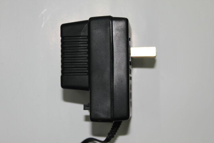 Se puede ajustar 3V-12V400MA 220V adaptador cargador Radio repetidor de transformadores