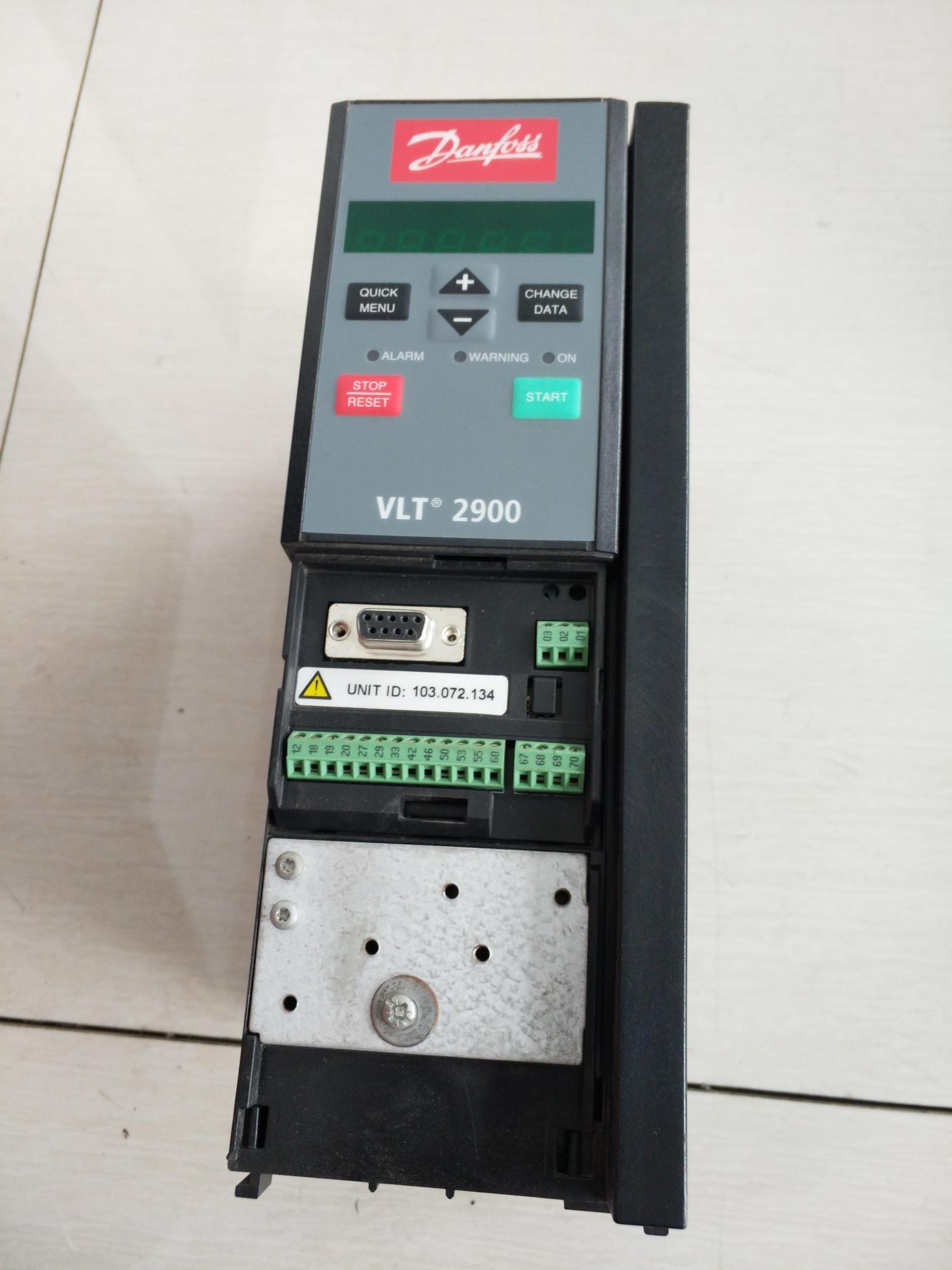 Danfoss frequency converter VLT29222.2KW spot VLT2900 series 2.2KW can be directly patted
