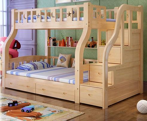 La altura de la cama arriba en la cama de los niños en la cama chica de doble ventana. La cama adultos la función combinada de la cama