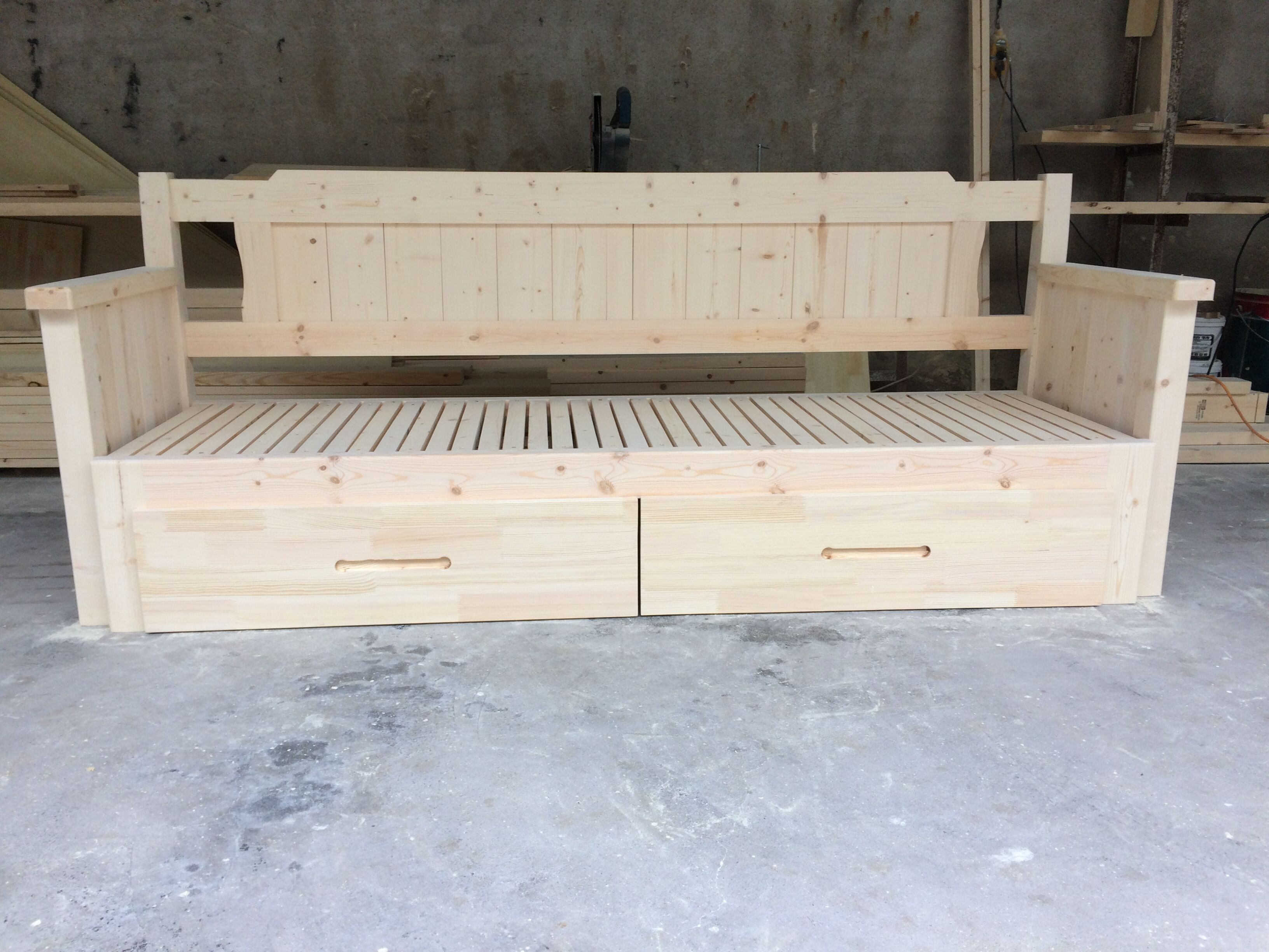 National parcel limited promotional boutique solid wood sofa bed pine European push pull storage 1.21.51.8 customized